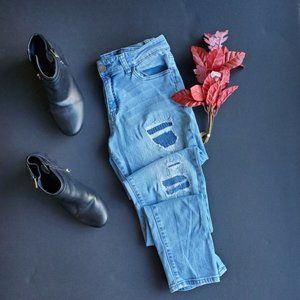Tinseltown Light wash Blue Distressed Jeans